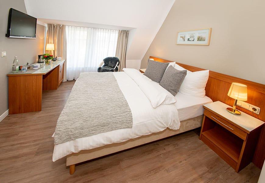 gaestehaus-fliegendes-perlhuhn-doppelbett-zimmer-4